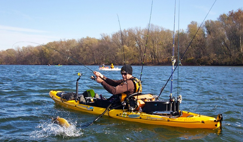 Top 10 best fishing kayaks in 2018 reviews for How many fishing rods per person in texas