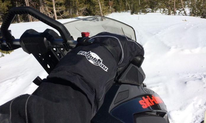 d564fd2ffab Top 10 Best Snowmobile Gloves of 2019 - Reviews